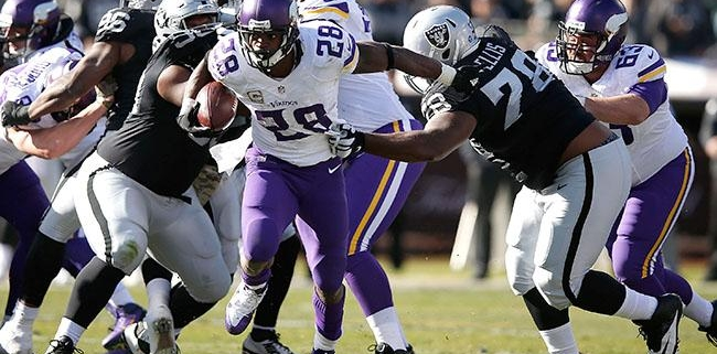 adrian-peterson-vikings-raiders